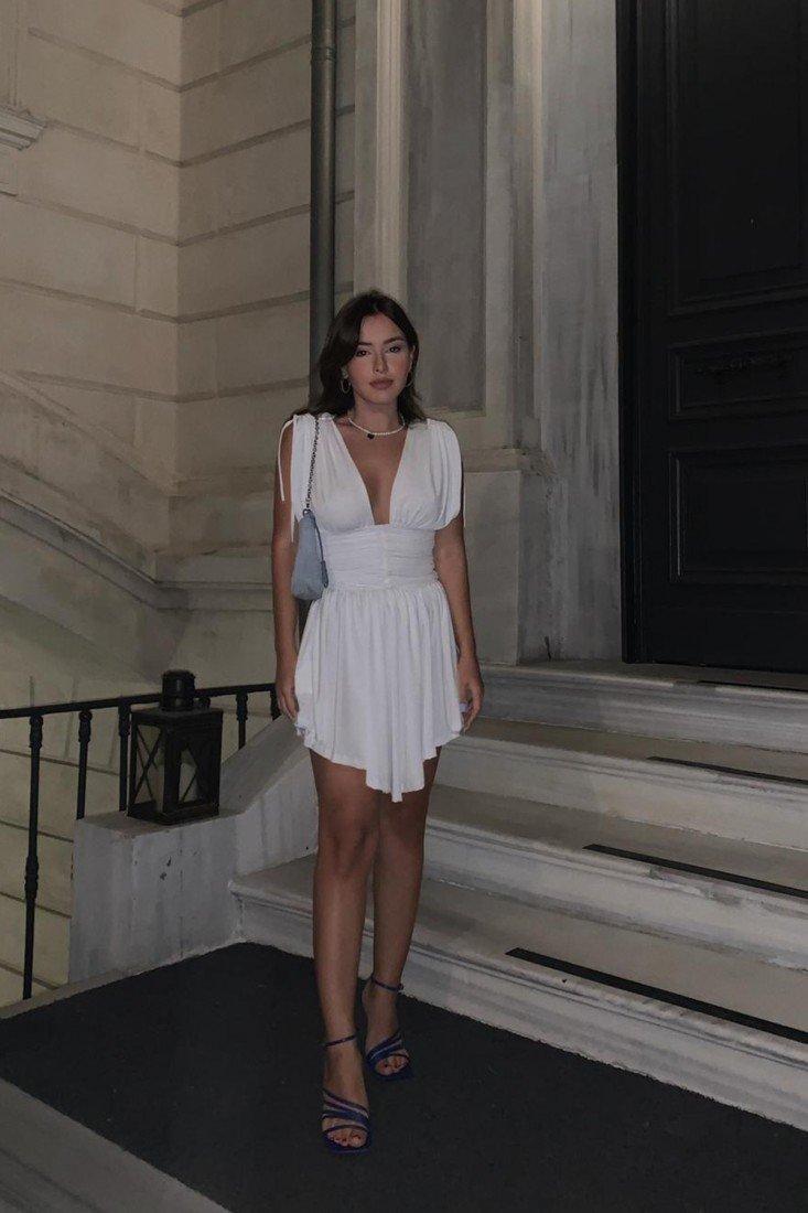 Beyaz Sıfır Kol Bel Büzgülü Elbise PH3